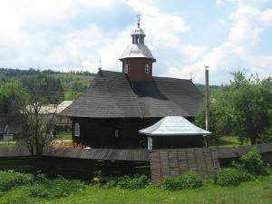 Biserica-de-lemn-Sfintii-Arhangheli-Mihail-si-Gavriil-din-Partestii-de-Sus